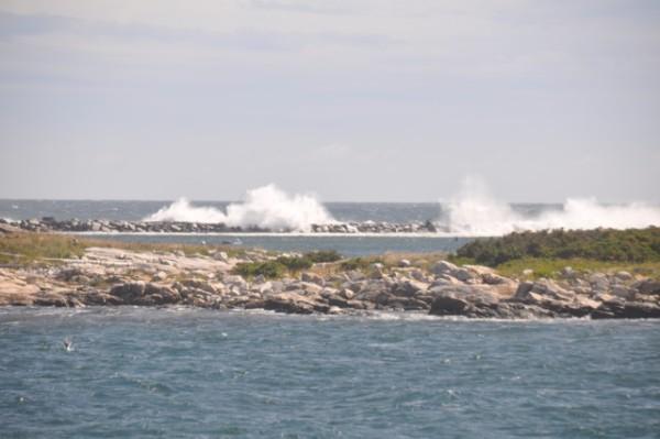 The seawall between Cedar and Star Islands